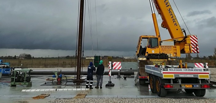 pix -Po Valley Selva gas well ramming pipe_crop
